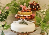 Avon Mill wedding cake May 2014 20