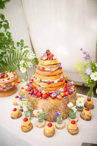 Wedding Cake, 'Cornish Tipi Weddings' (July 2015), photo by Kim Appleby